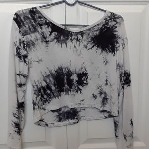 cropped black and white tie dyed tee